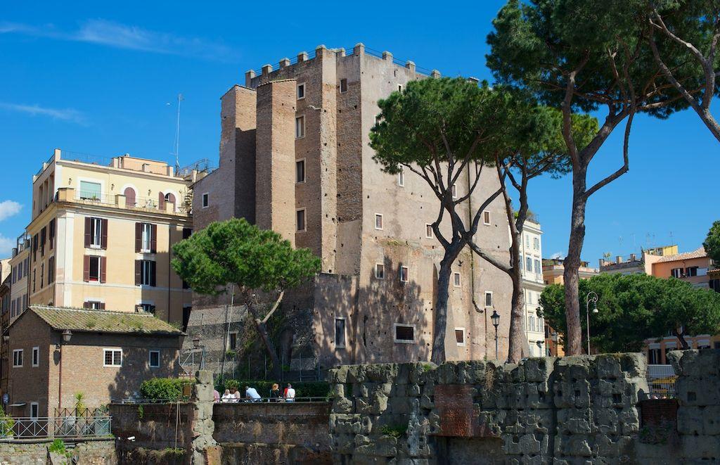 Roma_Torre_dei_Conti_aprile_2013.jpg